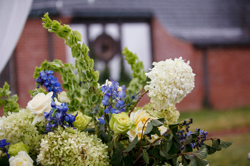 Flowers at Gaie Lea wedding venue in Staunton, Virginia